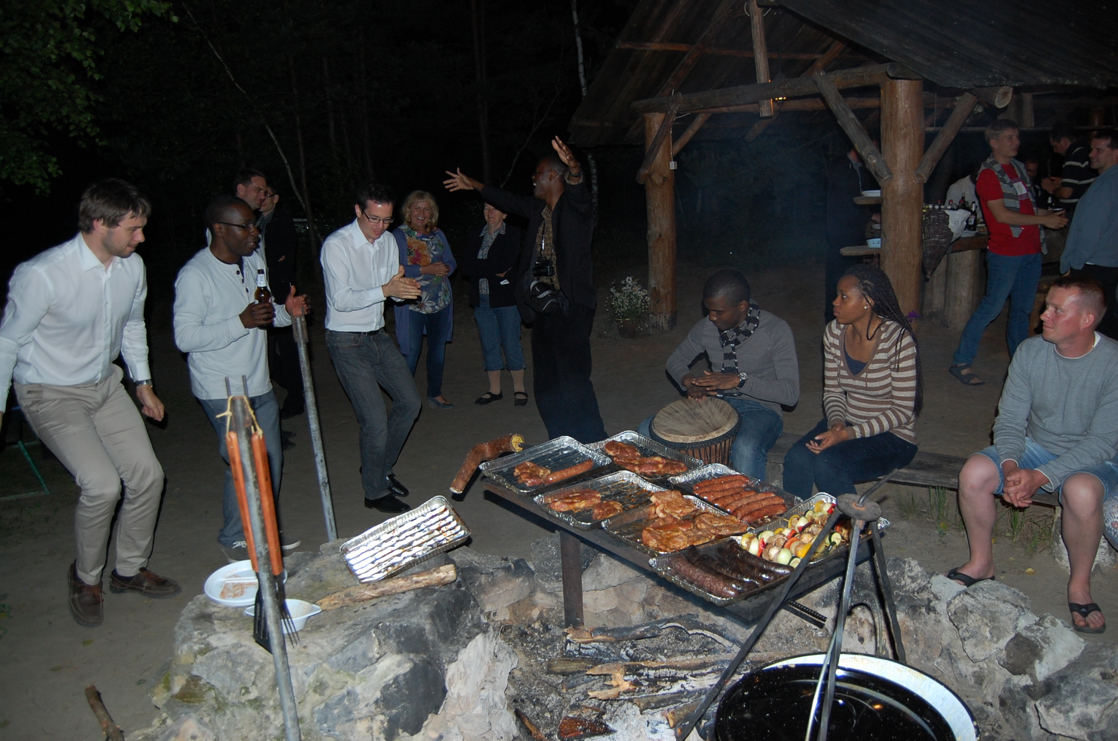 Impreza integracyjna pod wiatą w agroturystyce Grynwald