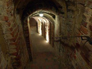 Podziemna trasa turystyczna-Sandomierz-Góry Świętokrzyskie
